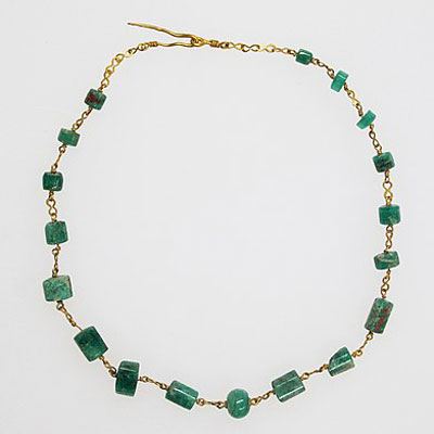 Roman; Necklace with emeralds; Gold and Silver